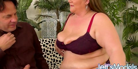 Sultry BBW Mommy Jessica Lust Needs His Long Rod