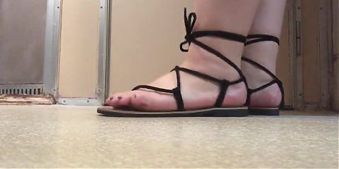 YUMYUM IN NEW SANDALS